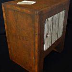 meuble en carton décoration création effet rouille peinture